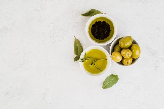 Vista superior variedade de azeitonas