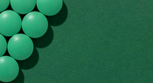 Vista superior variedade de pílulas medicinais mínimas