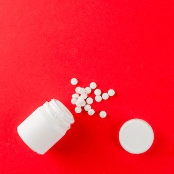 Vista superior variedade de remédios em cima da mesa