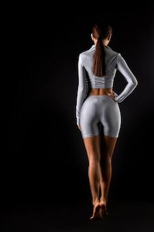 Vista traseira do corpo feminino com bunda sexy