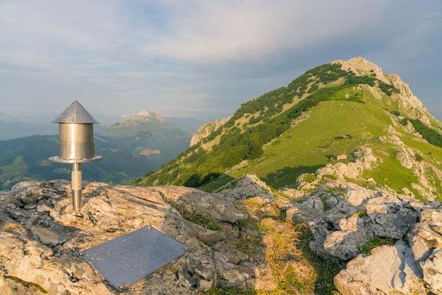 Vistas da montanha anboto no parque natural de urkiola
