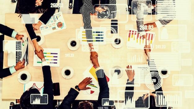 Visual criativo de executivos em reunião de equipe corporativa