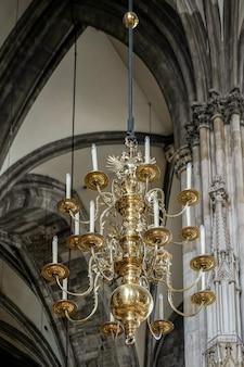 Visualização detalhada da catedral de santo estêvão em viena