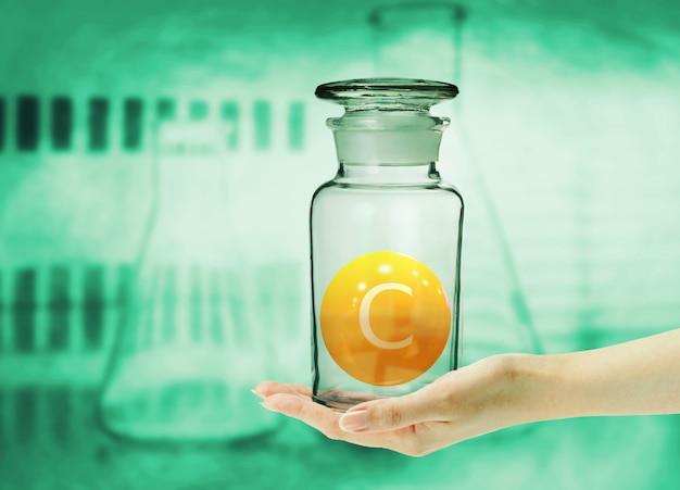 Vitamina c manipulada em clínica e laboratório