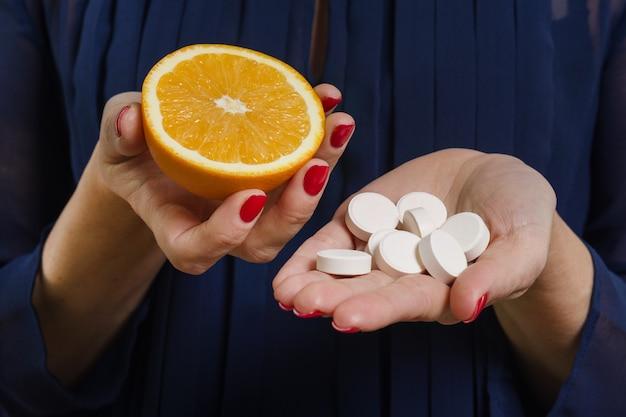 Vitamina c natural, laranja e sintética
