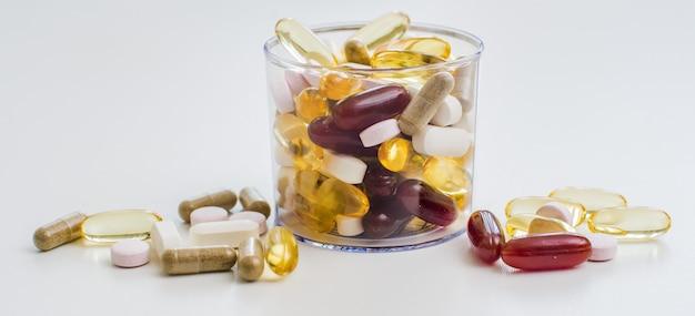 Vitaminas, ômega 3, óleo de fígado de bacalhau