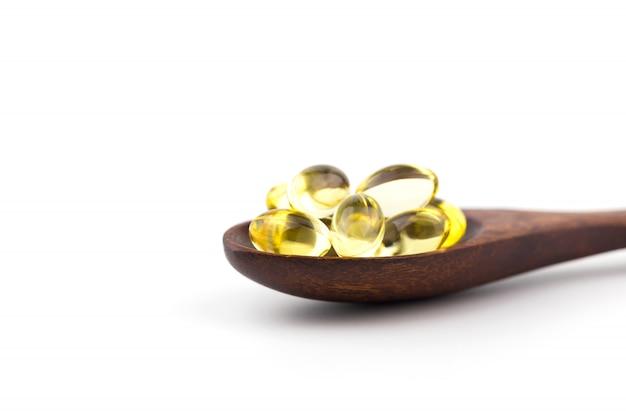 Vitaminas saudáveis no fundo branco