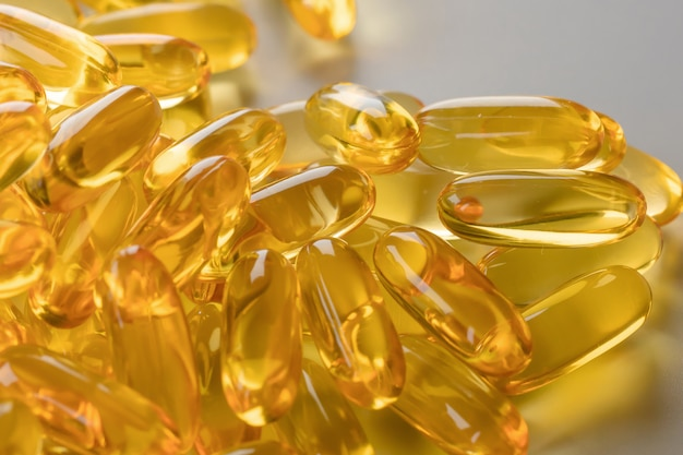Vitaminas suplementos pílulas ômega 3.