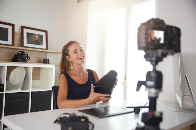 Vlog de fotografia de registro de jovem youtuber