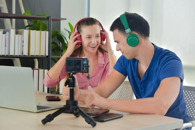 Vlogger internet estrela comerciante transmissão inicialização pequenas empresas