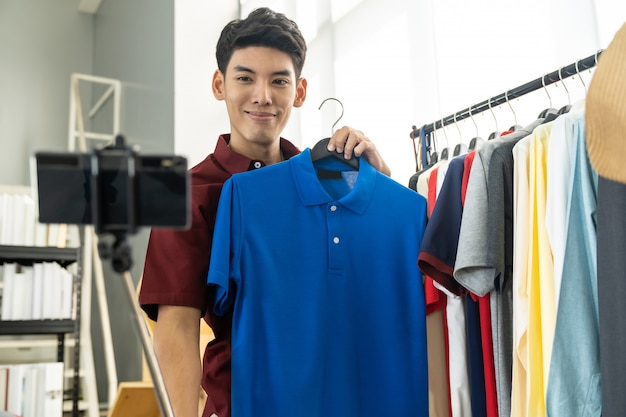 Vlogger live review casual wear