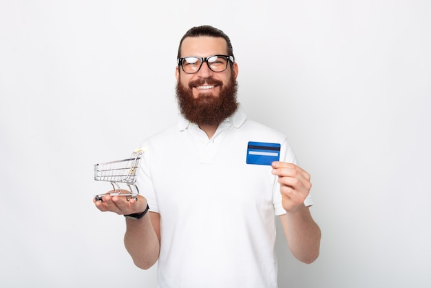Você já tentou pagar online com seu cartão, é muito fácil.