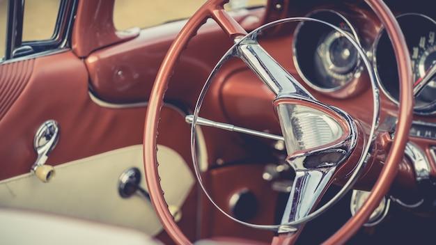 Volante de carro antigo