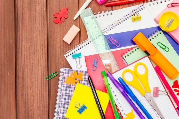 Volta ao conceito de escola. material escolar