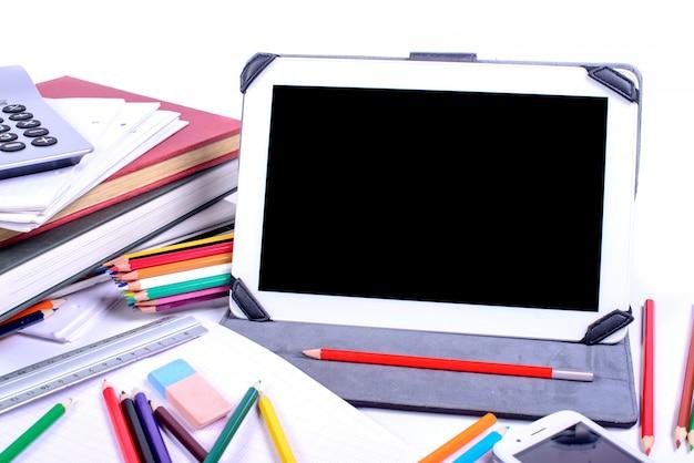 Voltar para a escola, escrita em um tablet digital