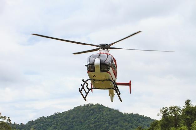 Vôo de helicóptero
