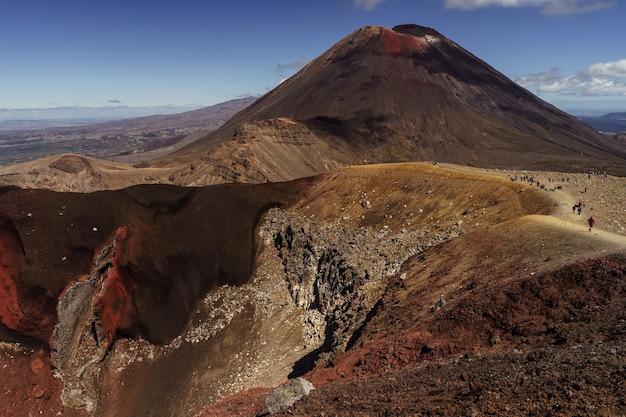 Vulcão ngauruhoe. parque nacional de tongariro. nova zelândia