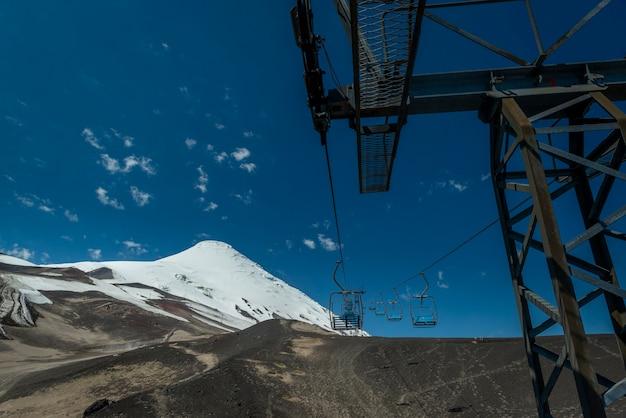 Vulcão osorno com teleférico vazio província de puerto varas llanquihue los lagos chile