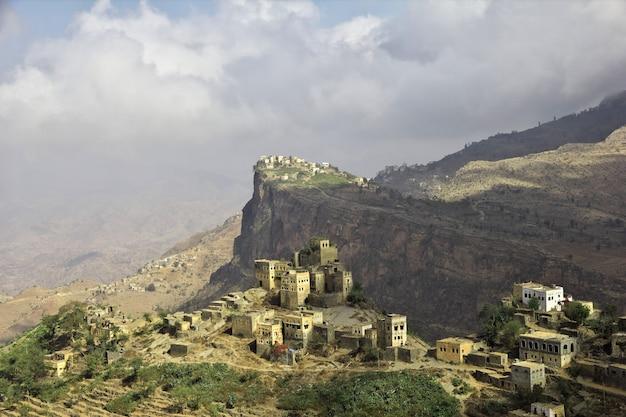 Wadi sara nas montanhas, iêmen