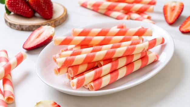 Wafer roll varas com creme de morango