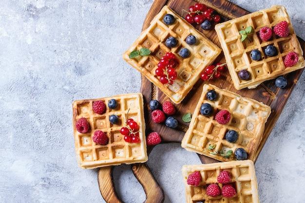 Waffles belgas com bagas