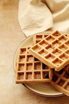 Waffles com framboesa e mirtilo