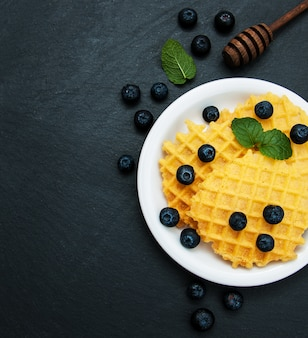 Waffles com mirtilos