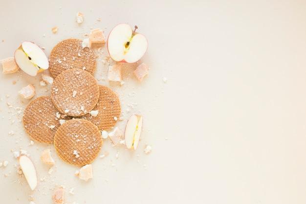 Waffles e maçãs