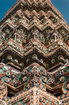 Wat pho é um dos mais antigos templos de bangkok