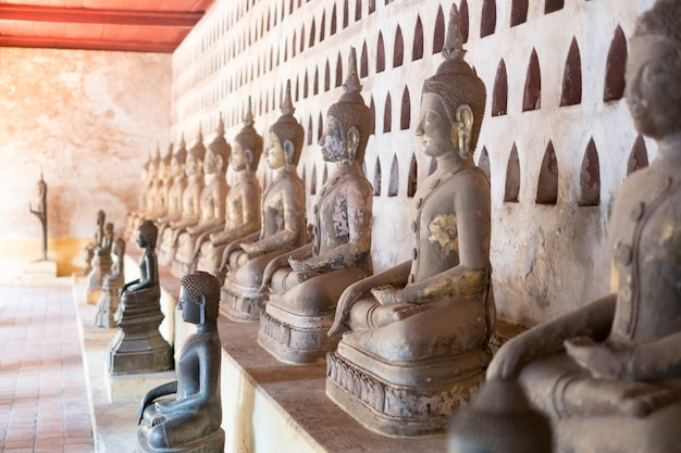 Wat pho é um templo budista em vientiane, laos.