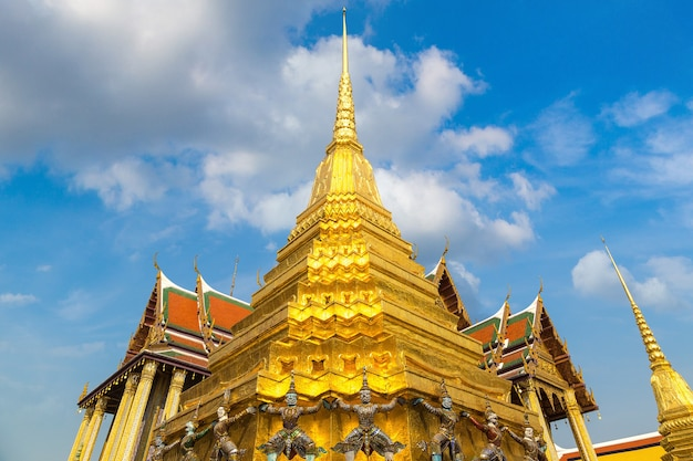 Wat phra kaew (templo do buda esmeralda) em bangkok, tailândia