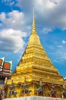 Wat phra kaew (templo do buda esmeralda) em bangkok