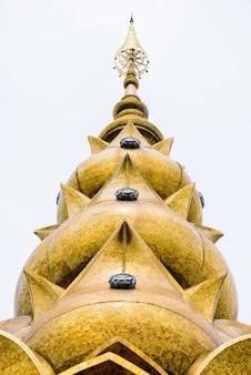 Wat phra que pha son kaew, província de petchraboon, tailândia