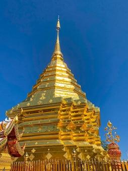 Wat phra that doi suthep é um templo budista e atração turística em chiang mai, tailândia