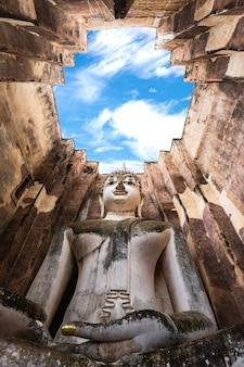 Wat sri chum, sukhothai, tailândia