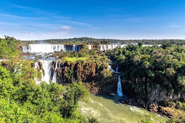Waterfal no parque nacional das cataratas do iguaçu, argentina
