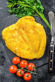 Weiner schnitzel alemão à milanesa caseiro.