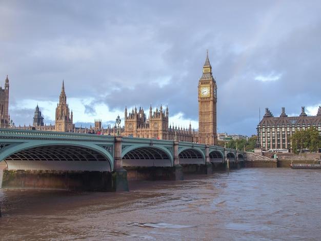 Westminster bridge em londres