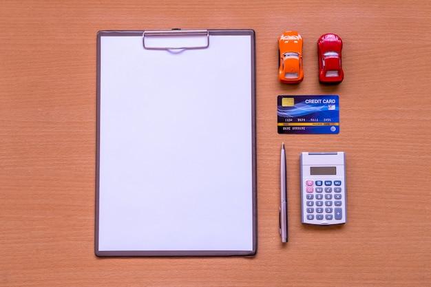 White paper formulário de carro com documento modelo e política