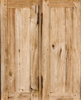 Windows na velha casa de madeira, fundo e textura