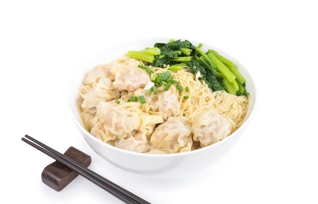Wonton e sopa de macarrão de ovos de estilo cantonês chinês para cozinha asiática