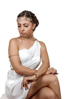 Wooman em roupas de estilo grego