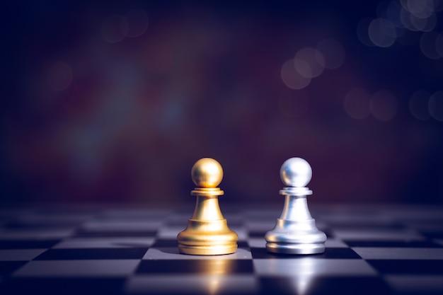 Xadrez de jogo de tabuleiro de planejamento e estratégia nos negócios