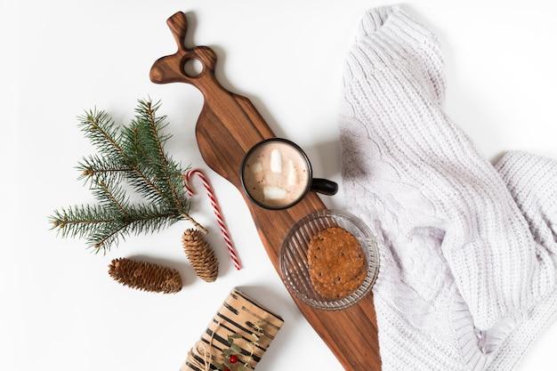 Xícara café, com, filial árvore abeto, ligado, tabela