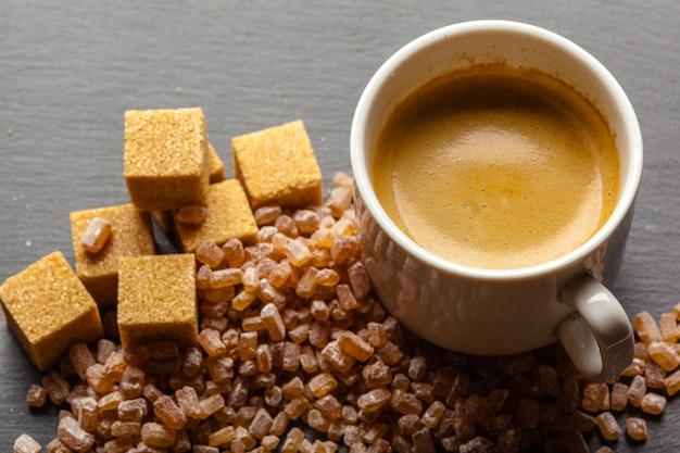 Xícara de café com açúcar