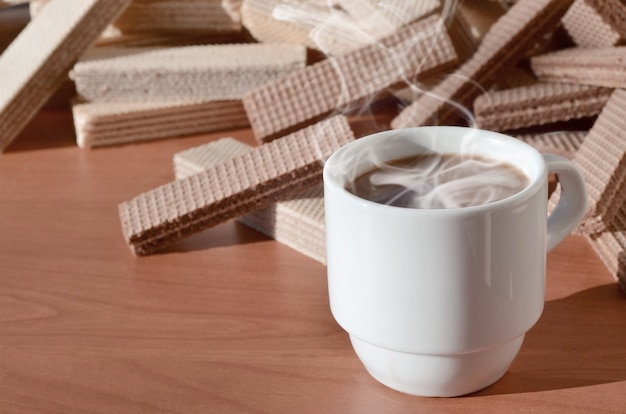 Xícara de café e waffels