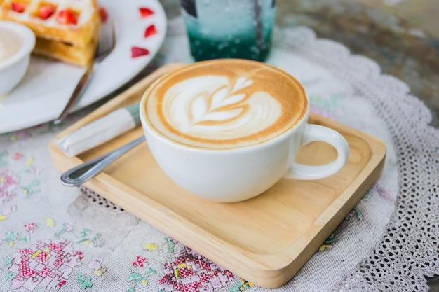 Xícara de café em estilo de tom de cor vintage de café