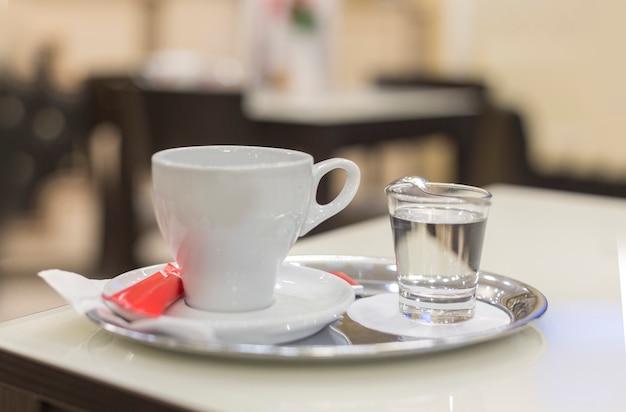 Xícara de café expresso branco