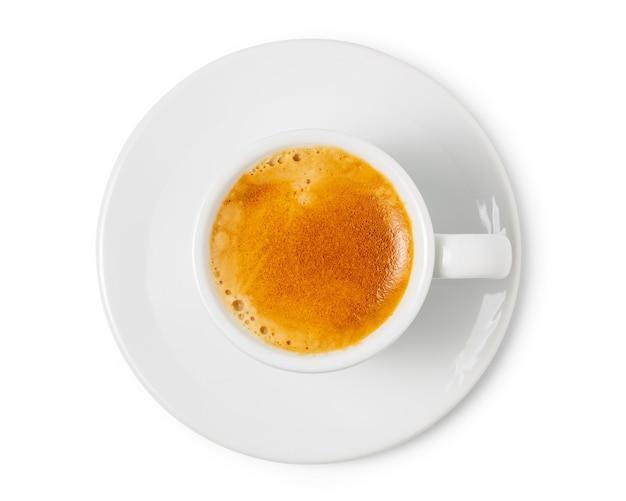 Xícara de café expresso isolada no fundo branco. com traçado de recorte.