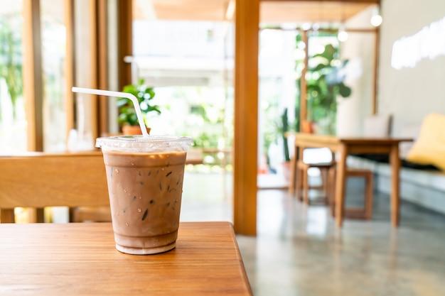Xícara de café gelado mocha